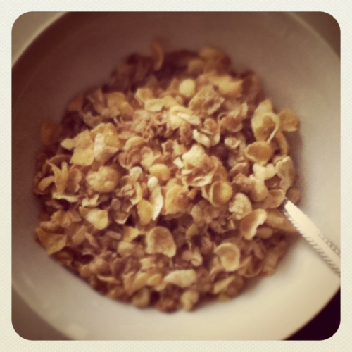 frenchhkisses:  Breakfast-honey bunches of oats   Nice shot, @frenchkisses! Looks like a dream…