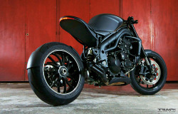 (via Impoz Triumph Speed Triple » Design You Trust – Social Inspirations!)