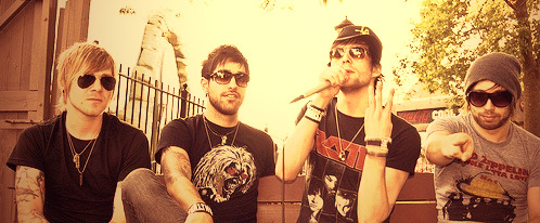 I miss Boys Like Girls a hell of a lot right now. BEEF! <3