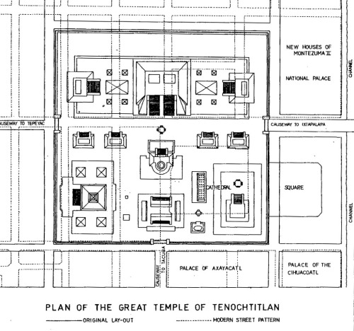 archimaps:  Plan of the Templo Mayor of Tenochtitlan compared to present layout, Mexico City.   I remember this, last year when we studied the Great Discoveries ( idk how you translate this into english but basically it´s like who, how and why people discovered America, India etc… And there consequences ) and our teacher showed us few documents about Tenochtitlan and I got super interested in that city and like I created a whole game inspired by all the stories and legends I found digging the subject and and ah well, good times, good times..