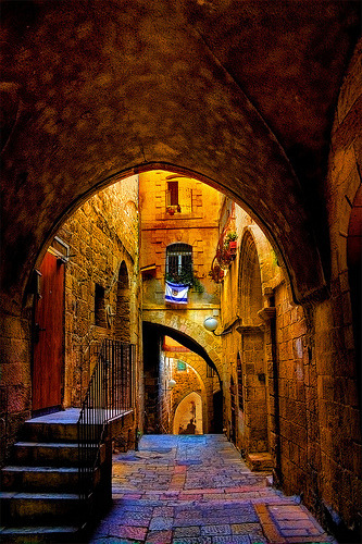 In an alley in the Jewish Quarter, Jerusalem, Israel (by JoLoLog)