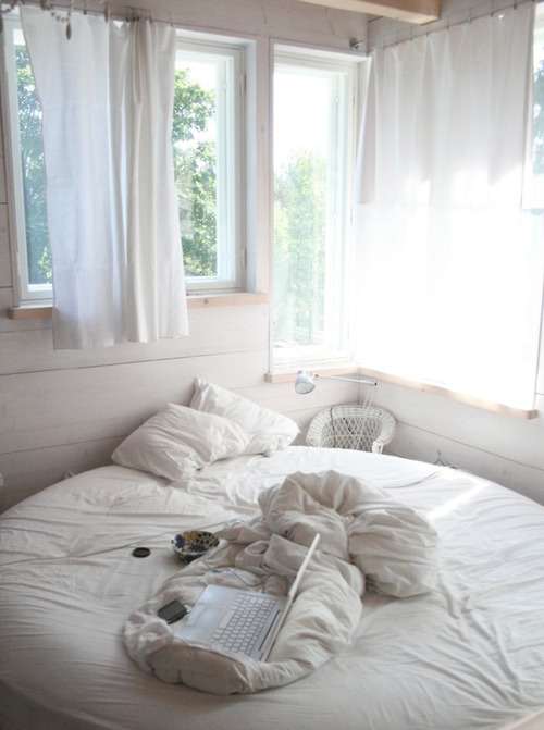 theaussiekids:  caffe-con-latte:  be my bedroom now  everything is so perfect