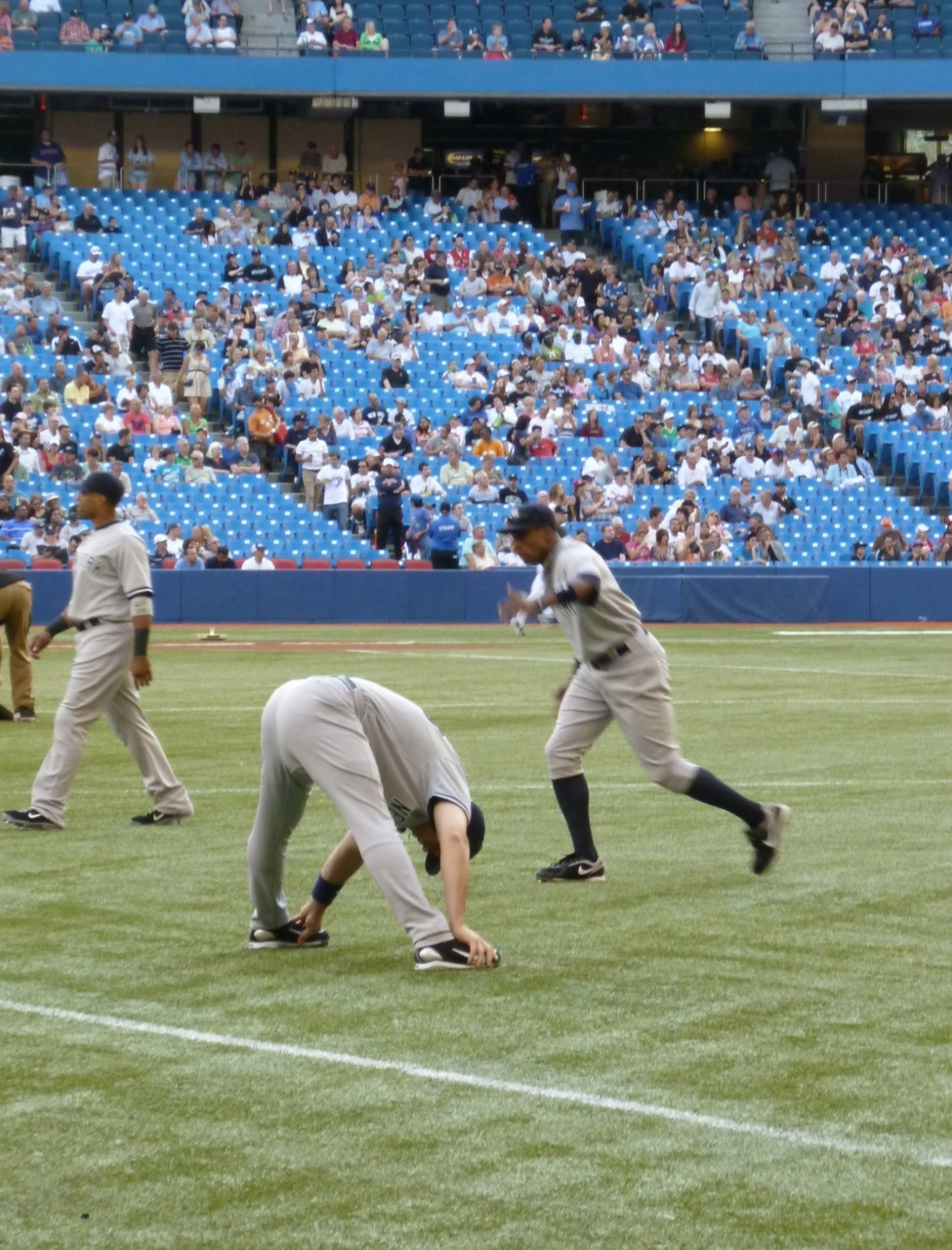Teixeira stretching at Le SkyDome.