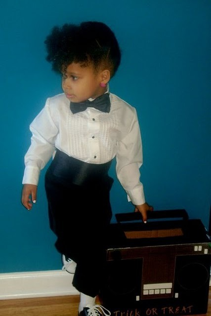 complexximperfection:  acolegurl:  BABY JANELLE MONAE  tooooo fucking cute