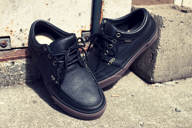 VANS California 106 Moc Black Leather - For those seeking a distinguished look for the upcoming fall season. The Vans Moc features tonal upper stitching, vintage styling and contrasting outsoles for a more distinguished look. Fine these at local Vans stockists.
