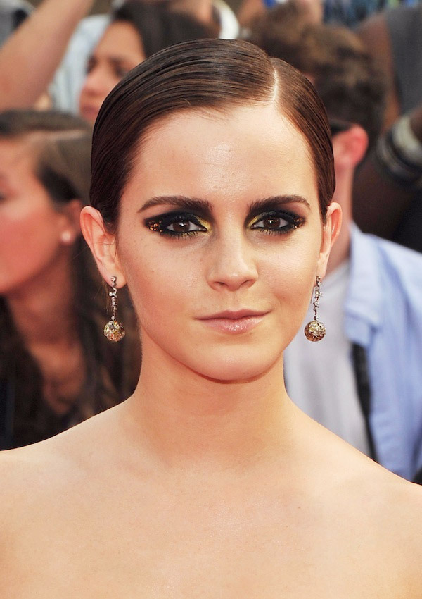 Awesome, found a makeup tutorial for Emma Watson's eye look at the NY Harry Potter Premiere. Ahhhh! (via pixiwoo)