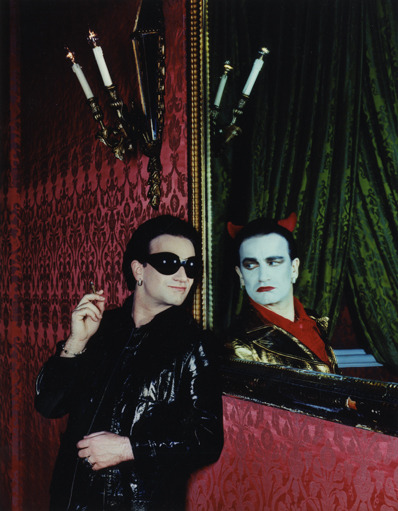 fuckyeahyoutwo:  Bono as The Fly and MacPhisto in Rome, 1993