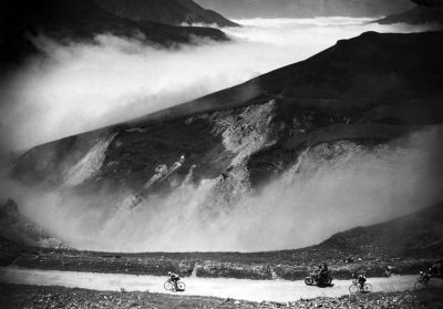 hold-steady:  Raphael Geminiani descends the Col du Tourmalet in the French Pyrenees during the 18th stage of the 1952 tour.
