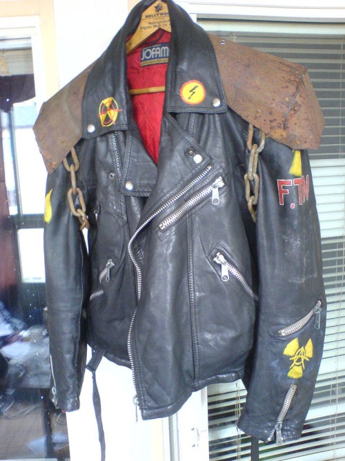 falloutgallery:  reinforced leather jacket  I am actually so jealous, wish I could get something like this together!