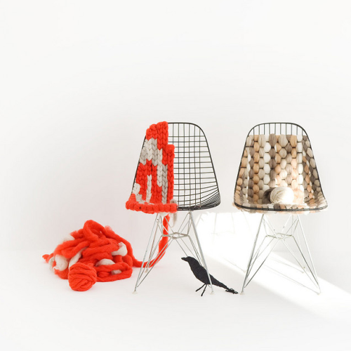 visualmixtape:  krgkrg: Kinitting (weaving?) with Eames chairs