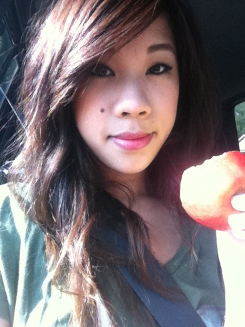 Cam whoring on the way to my restaurant. Lol apple!