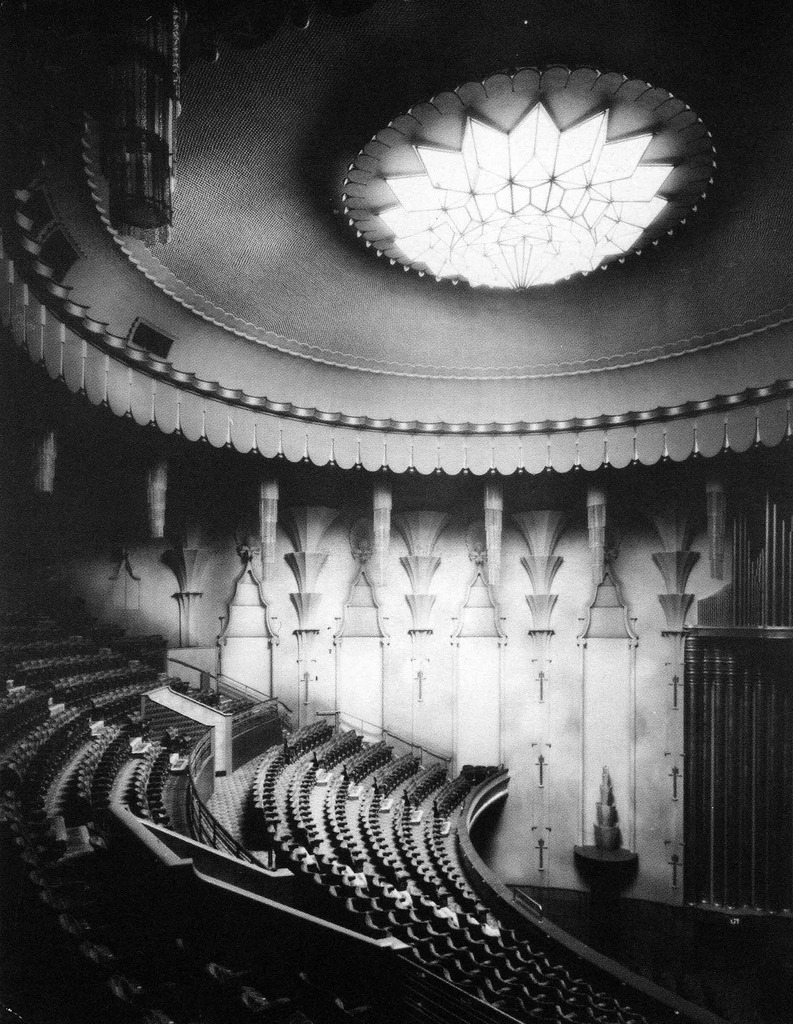 Inside the New Victoria Theatre in 1930, Victoria, England