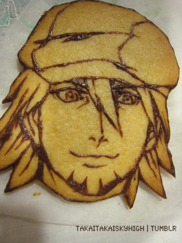 takaitakaiskyhigh:  My first TIGER & BUNNY cookie is done! Kotetsu, of course :D Yes, it's a sugar cookie, with chocolate for lines :'D I shall work on Keith next because Barnaby's hair is too much of a headache to think about ;w; 久しぶりにキャラクッキーを作った!まずは、虎徹さん! 次はキースのチョコつけ♪