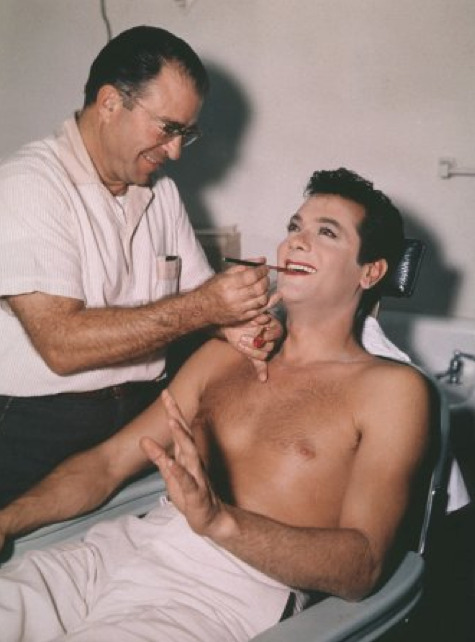 Tony Curtis getting his make up done, behind the scenes of Some Like It Hot (1959)