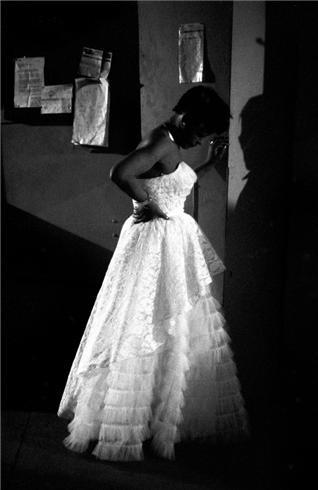 Billie Holiday in New York City, 1953. Another gem from Herman Leonard, whose work is now housed at the Smithsonian.