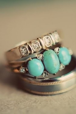 (via Someday / east side bride: PEZ for the kids and turquoise for the bride)