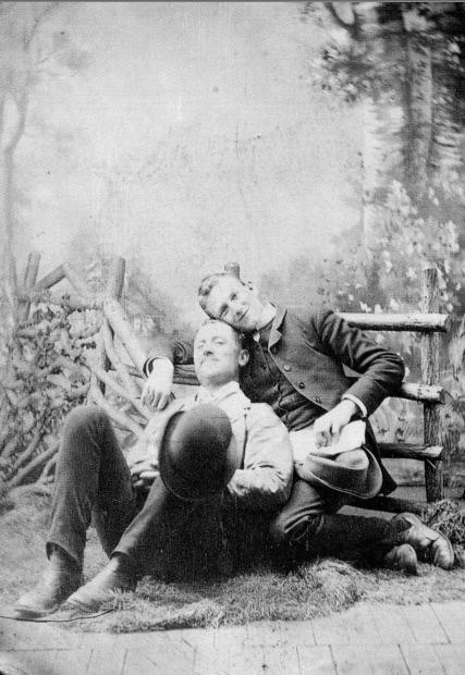 foto-jennic:  Gay couple, England, circa 1875.