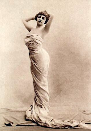 Odette Valery-1905 Photo by Reutlinger