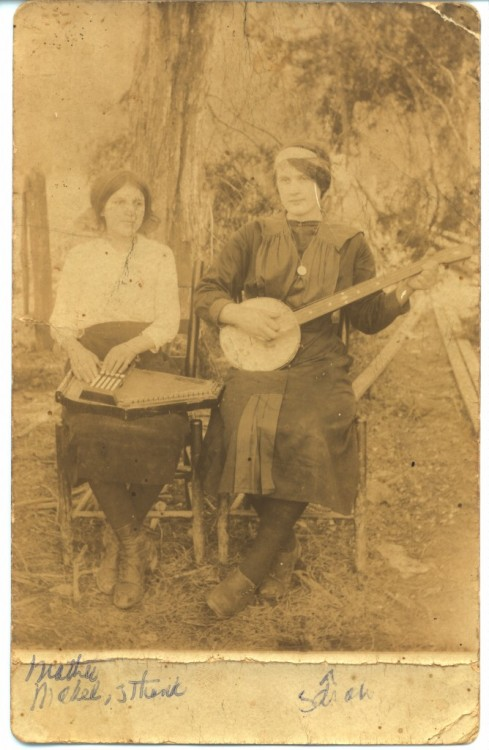 Sara Carter (banjo) and her cousin Maybelle (auto harp), ca. 1919, about eight years before the first recordings of the Carter Family.
