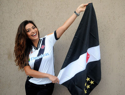 Beautiful Juliana Paes - Vasco da Gama's Supporter