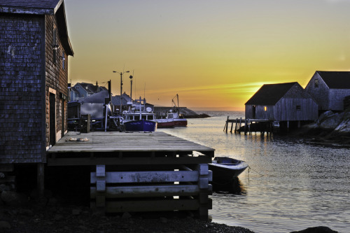 Small harbour near Peggy's Cove. Taken by D. Chan.  submitted by secondgenhybrid - thanks!