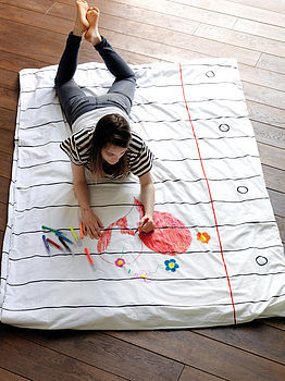 My dream bedding. You can doodle for hours and write down the great ideas that come to you late at night. ninakix:  The duvet cover comes with its own pack of 8 wash-out doodle colour pens, so you can jot down late-night thoughts, draw a masterpiece, write a story or leave a message – then wash your duvet cover for a totally fresh start all over again! (via doodle duvet cover by stitch designworks | notonthehighstreet.com)