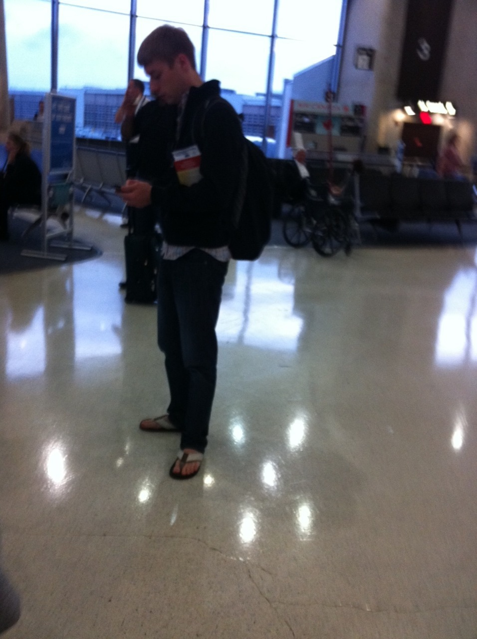 i wear sandals so i can show off my sexy feet when i go through security #DCA