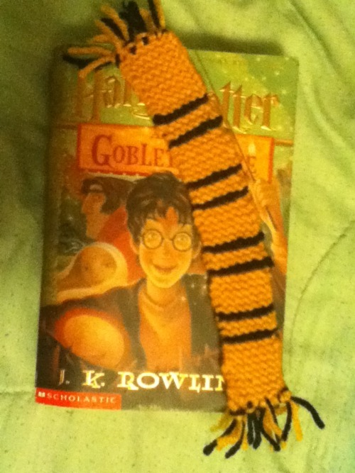 effyeahhufflepuff:  Hufflepuff Bookmark Scarf I knitted :D  (submitted by homophileandahalf )