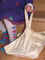 (via Vively Online: Basic Casserole Carrier - Tutorial)
