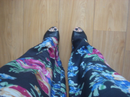 lookingdownattheground:  New ASOS chiffon pants have arrived