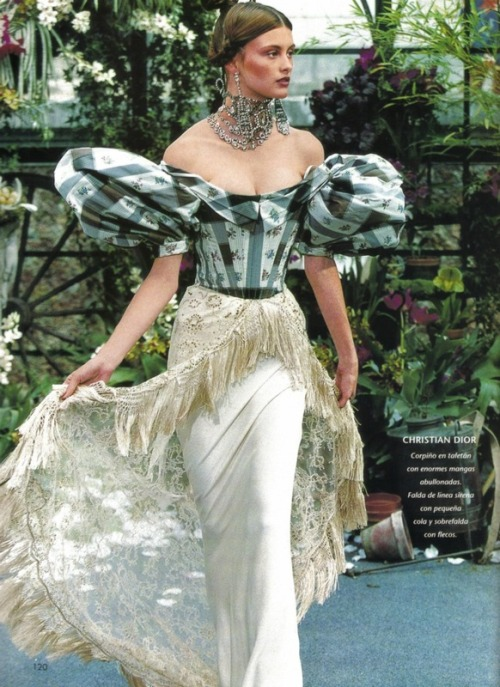 bitchismad:  Christian Dior haute couture f/w 1997