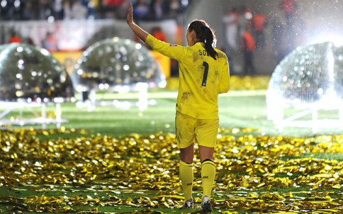 thebeautyofsports:  Goalie Hope Solo garnered the biggest U.S. following during the Women's World Cup tournament and for good reason. She won the Golden Glove award as the best goalkeeper. (via SI.com)