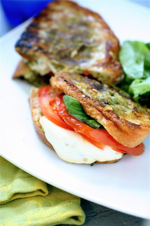 Grilled Smoked Mozzarella and Basil Pesto Sandwich