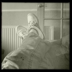 Last chance to put my feet up before the school holidays start Buckhorst H1 Lens, Claunch 72 Monochrome Film, Dreampop Flash, Taken with Hipstamatic