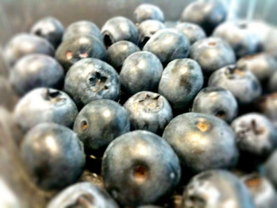 I LOVE BLUEBERRIES! and I don't care who knows. for breakfast, dessert, a mid-afternoon snack, they're perfect. it's like sushi - you feel so healthy when eating blueberries, and they're so tasty!