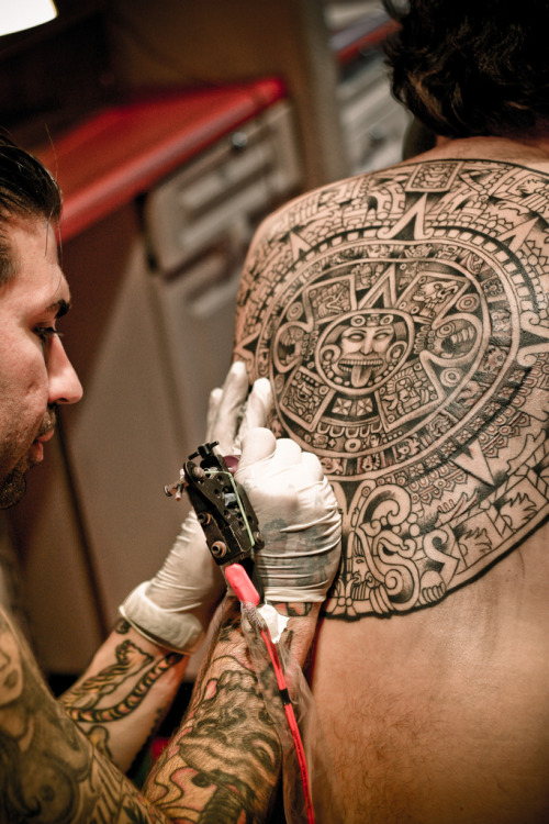 wlph:  i love polynesian tattoos