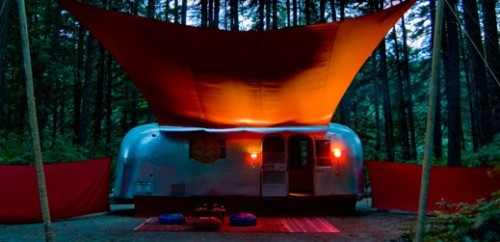 another beautiful mobile sauna. there's a mobile sauna festival in finland every year! i am currently looking to see if i have any long- forgotten grandparents i could exchange for passage to this event.