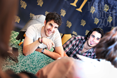 leakycon:  Yeah girls, we know. He's dreamy. (And Darren's all right, too.)  ^This.