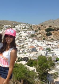 Gal repping Pi Phi around the world!