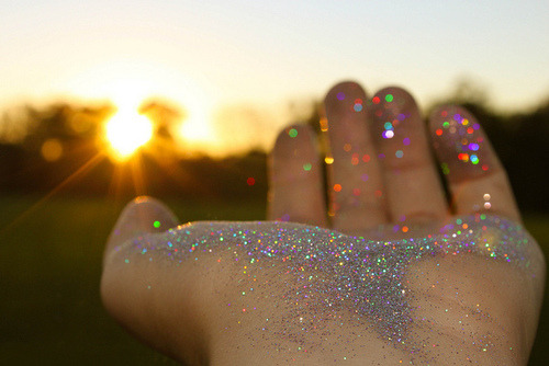 leannaisrad:  Personality is the glitter that sends your gleam across the footlights. The glitter that lights up their world.