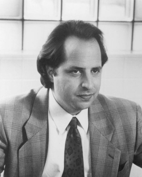 "Who knows about ""The Groundlings?"" Go Jon Lovitz, it's your birthday. Twitter Account: @realjonlovitz Age: 54"