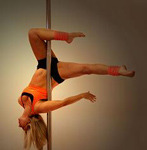 fuckyeahpoledance:  PDC LEVEL THREE——— Scorpio   Talk about amazing strength !