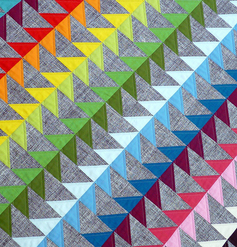(via Red Pepper Quilts: A Flock of Flying Geese)