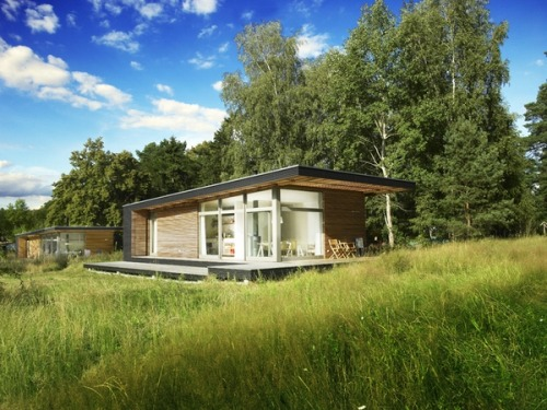 micasaessucasa:  (via Prefab Nest Complements Nature at Affordable Price | The Beautifulist)