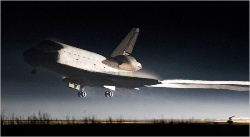 Shuttle Ends Its Final Voyage and an Era in Space. NYTimes.com