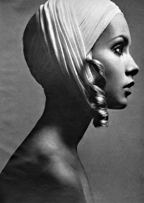 Twiggy for American Vogue 1967