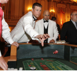 Kerry Wood and Reed Johnson at the Dempster Family Foundation Casino Night fundraiser, 2011