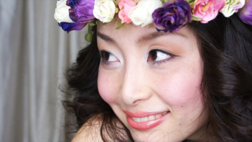 Check out this tutorial for this beautiful wedding makeup look! (via Wedding Makeup ♡ Natural Warm Color Eyes)
