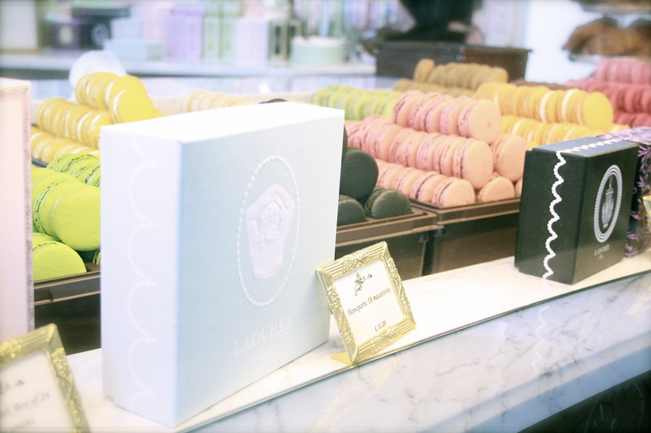 More Laduree porn (I can't help it!). This time at the new Covent Garden outpost - the warm sugary fumes inside so enormously comforting on a rainy London day.
