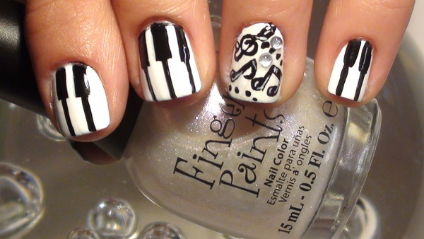beautylish:  Watch this tutorial to get cute piano key nail art!